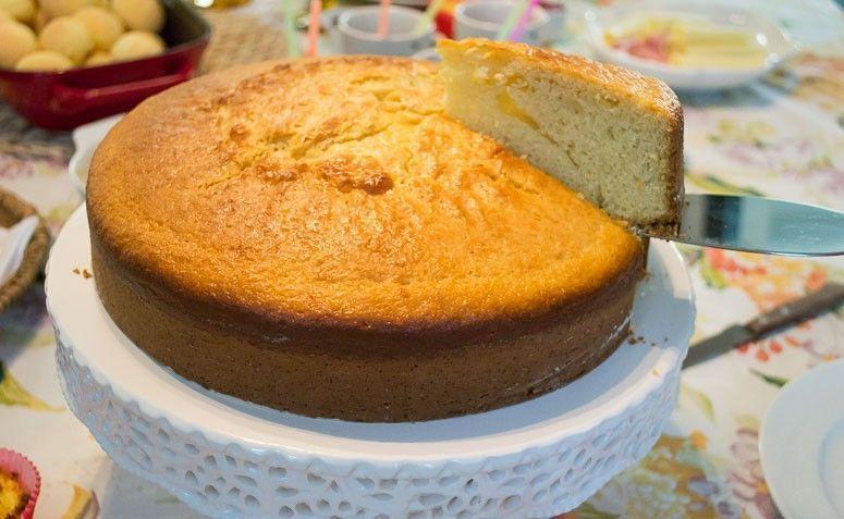 Pastel de harina de maíz licuadora. Foto: Reproducción / Plato de cocina