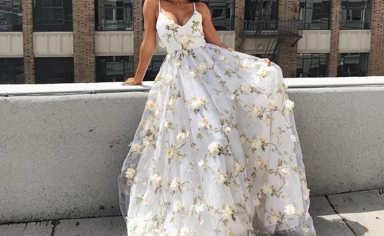 Vestido de compromiso: 60 modelos para elegir el look de este día tan especial