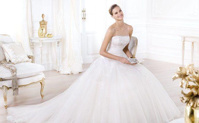Vestido de novia sin tirantes: sexy y romántico en la medida justa