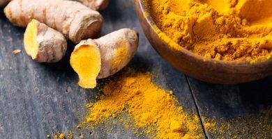 El azafrán agrega color y sabor a los platos y tiene propiedades medicinales.