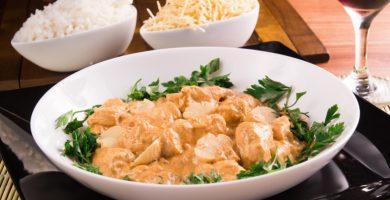 14 recetas de pollo stroganoff que ni siquiera sabías que existían