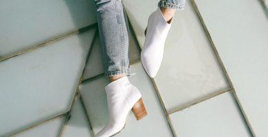 Bota blanca: la querida del momento que promete actualizar el look del día