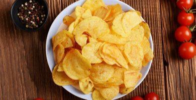 """Cómo hacer """"chips"""" en el microondas sin usar aceite"""