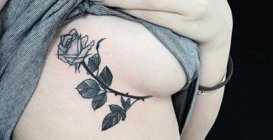 Descubre el tatuaje debajo del pecho e inspírate con las fotos.