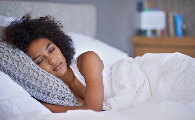 8 alternativas naturales que te ayudan a dormir más rápido