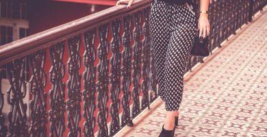 Pantalón estampado: la pieza que hace que cualquier look sea menos obvio
