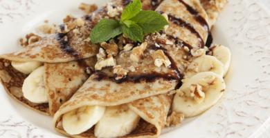 Panqueque de plátano: 10 recetas ligeras para endulzar la hora del refrigerio
